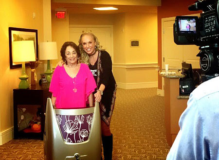 TV Host Surprises Her Mom with a Tour